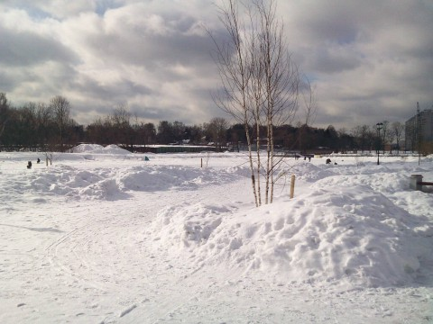 снег на набережной