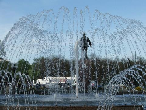 фонтан у театра