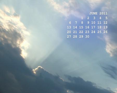 фотография неба с календарем на июнь месяц 2011 года