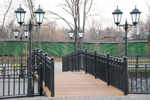 мостик и фонари